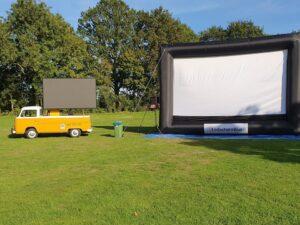 groot opblaasbaar bioscoop scherm
